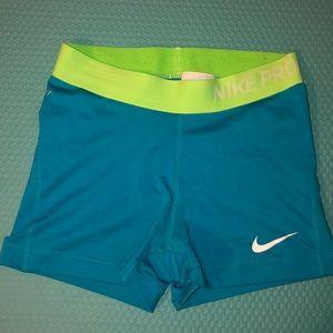 Nike pro Dri-fit spanks